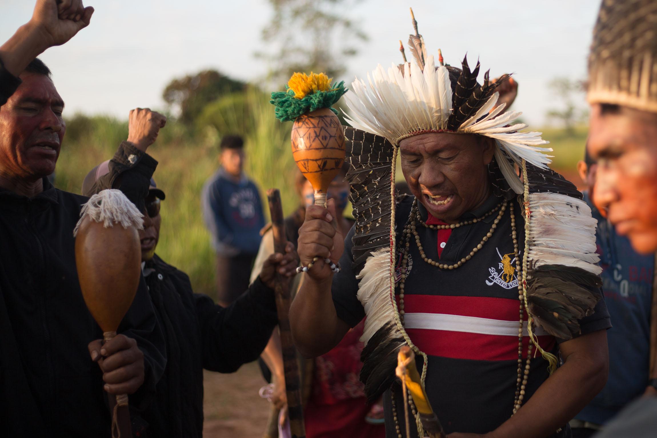 Ancião Guarani Kaiowá segue detido após ação truculenta da polícia em Caarapó