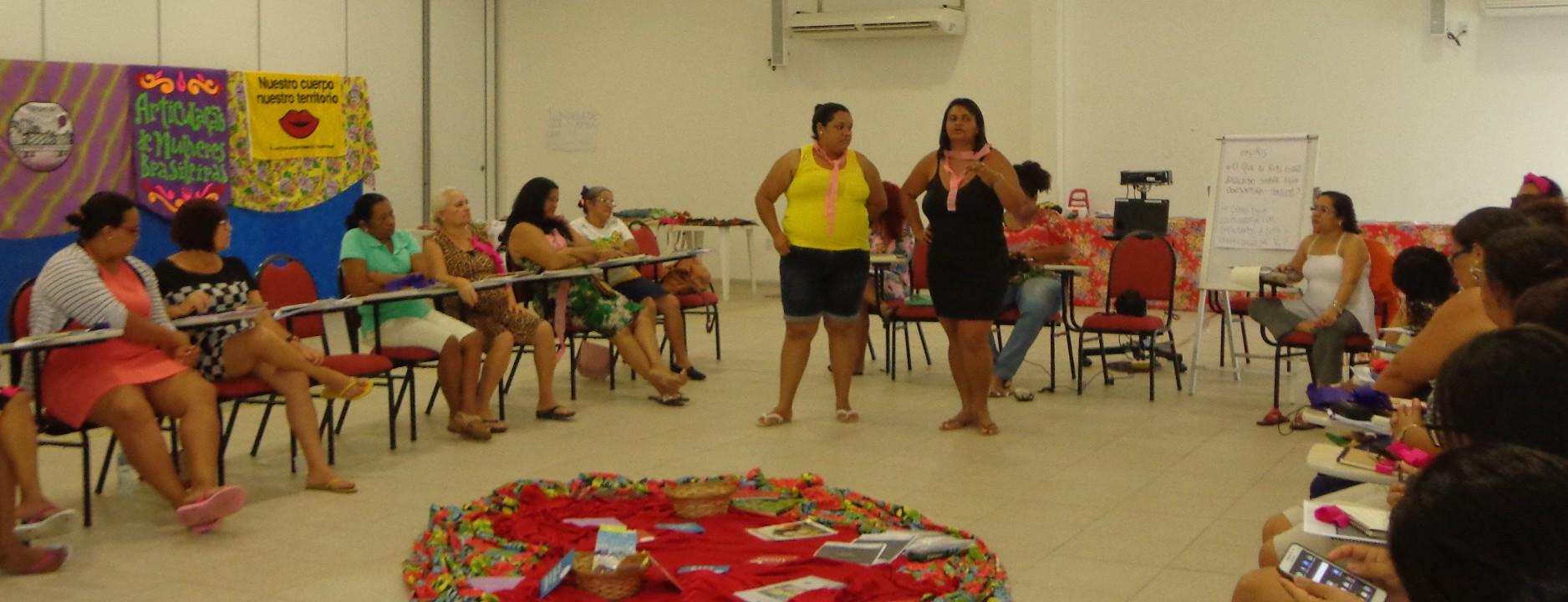 Curso reúne mulheres para formação em política feminista