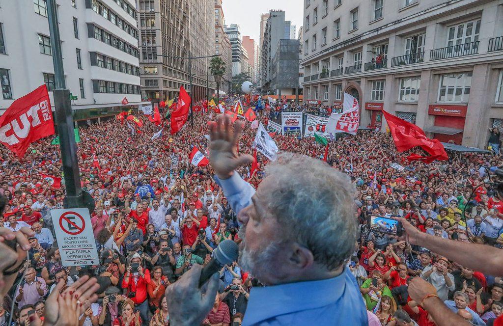 Lula agradece a solidariedade do povo em Porto Alegre Foto: Ricardo Stuckert