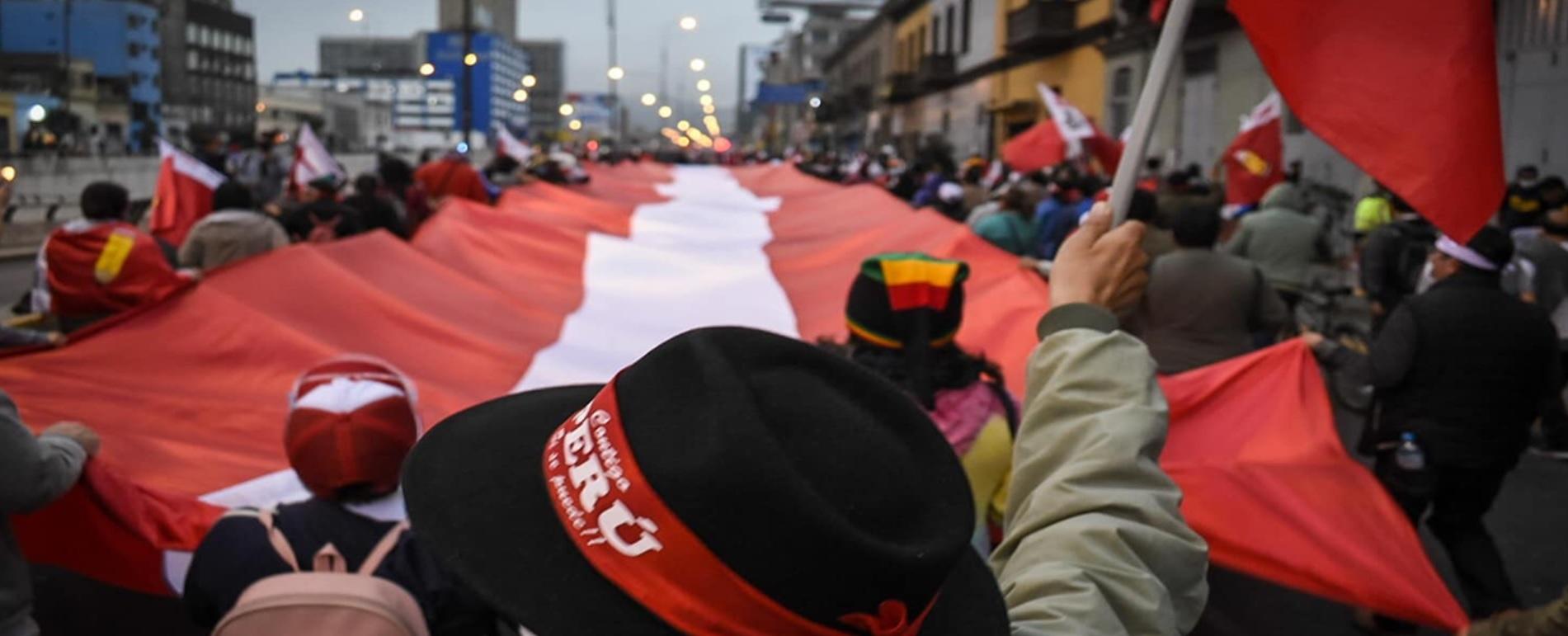 Peru: feministas exigem respeito à vontade dos eleitores