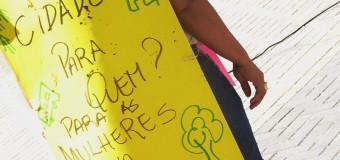 Fórum de Mulheres de Pernambuco realiza Palanque Feminista no centro do Recife