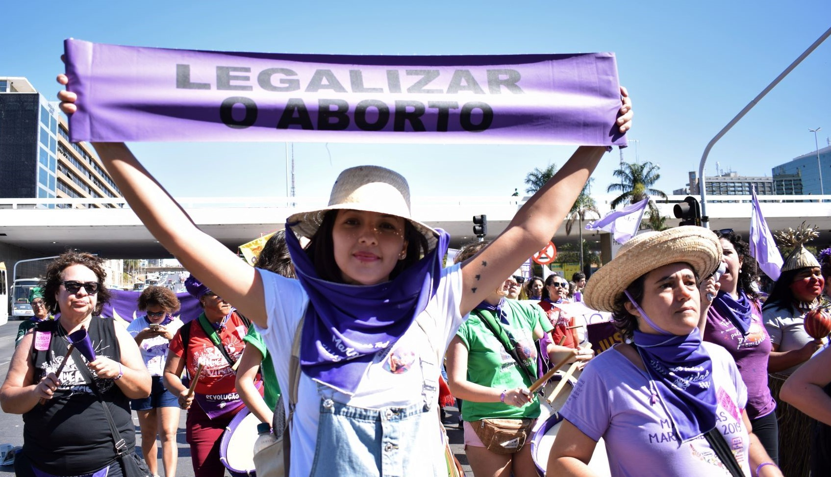 Em defesa delas: a luta pela descriminalização do aborto no Brasil