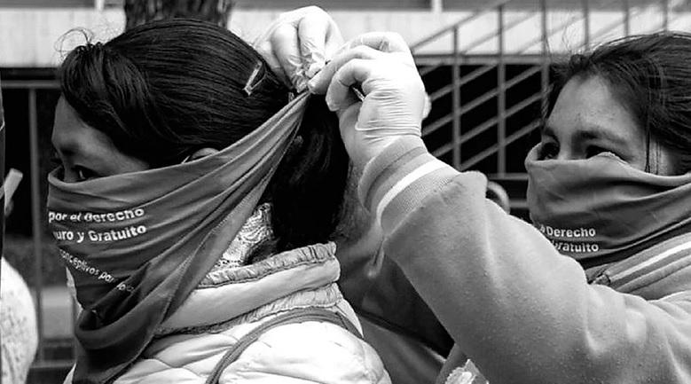 Pesquisas com mulheres e dissidências durante o isolamento social: muito mais que um problema de saúde