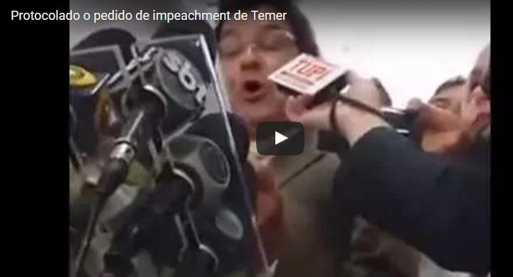 Movimentos sociais e juristas protocolam na Câmara o pedido de impeachment de Temer; veja a coletiva dos autores [Viomundo]