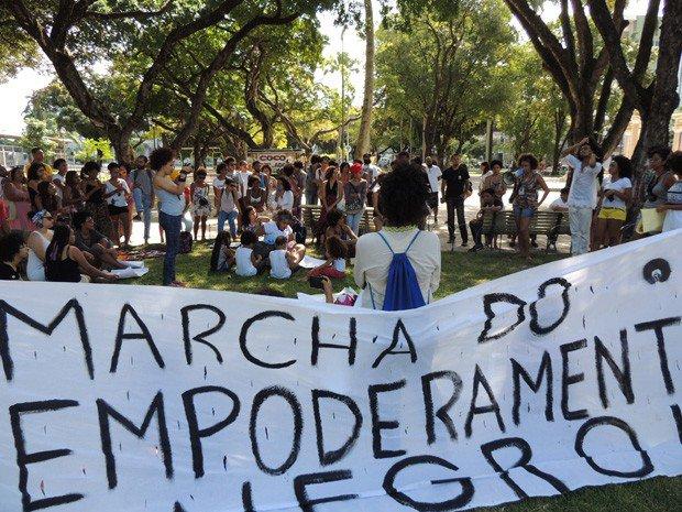 Marcha do Empoderamento Negro pede fim do preconceito, no Recife