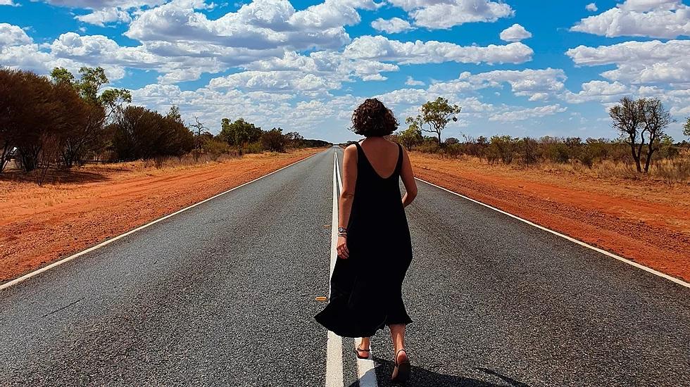 26 anos do filme Priscilla: As aventuras de uma feminista no deserto