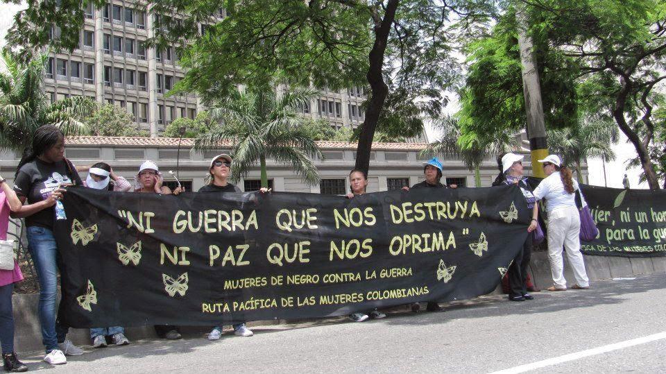 """Colômbia – """"Es hora de  parar la Guerra"""""""